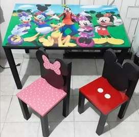 Silla y mesa para niños