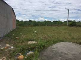 Se vende lote granada meta Area 126 m2(18X7)
