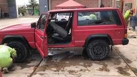 Vendo mi jeep año 86 trato directo con el dueño