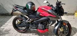 Vendo o permuto moto rouser 200cc en excelente estado