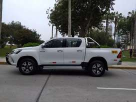 Toyota Hilux 2017 impecable