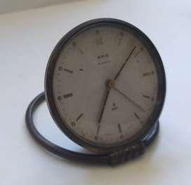 Reloj de mesa marca Oris de cuerda para reparar