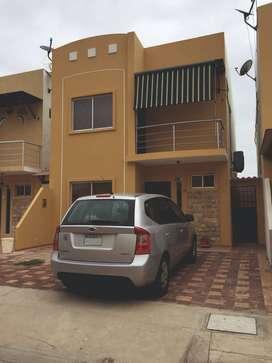 Alquiler hermosa casa Playas Villamil amoblada en urbanización