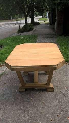 Mesa de madera de secuoya