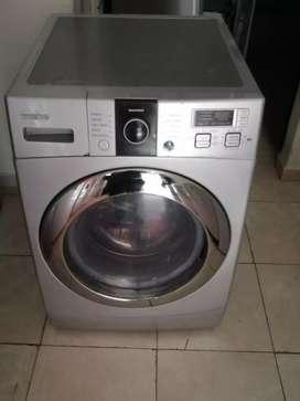 Lavadora secadora 32 libras Mabe, buen funcionamiento