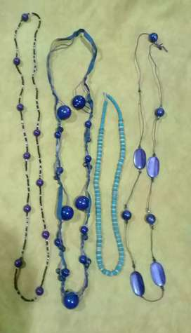 Collares color violeta