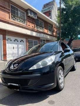 Peugeot 207 1.4.  Compact con Gnc . 3p