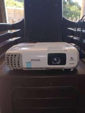 Proyecto Epson Power Lite S 27 HDMI USB Audio y video de alta calidad