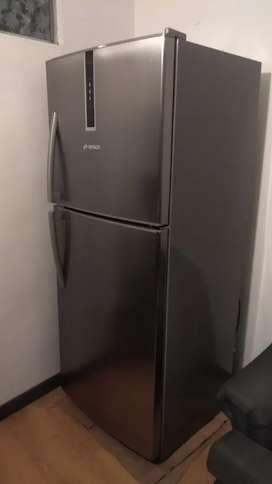 Nevera Bosch no frost 371 litros, perfecto estado
