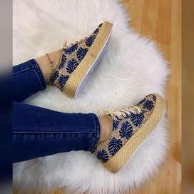 Tenis y zapatos para mujer