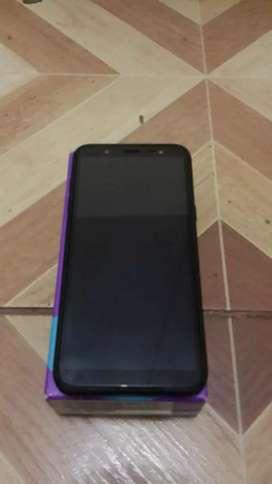J8 de 3Ram y 32GB. Es de Color Negro