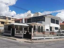 Vendo hermosa casa esquinera en las Dalias/COLEGIO SALESIANOS/HOSPITAL BRIGADA/MIESS