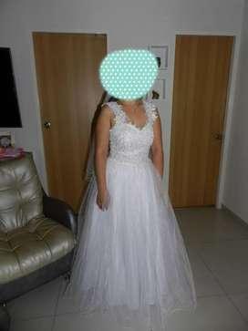 Hermoso vestido de novia dos en uno
