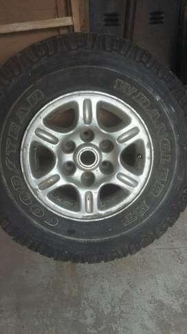Rueda de Chevrolet Siverado.