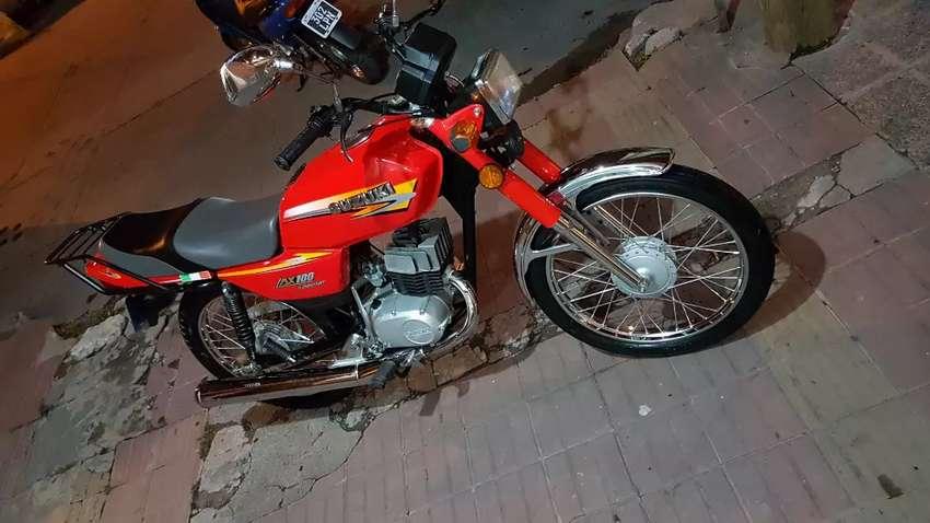 VENDO Hermosa SUZUKI AX100 Special 2T