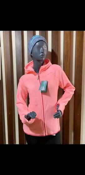 Chompas polares térmicas para dama y caballero con y sin capucha; llanas y con interior afelpado talla S M L XL  $25