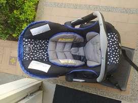 Coche bebe y silla carro evenflo