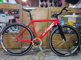 Bicicleta Ontrail aluminio Rin 700