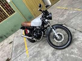 Moto Akt NKD 125cc tipo cafe racer