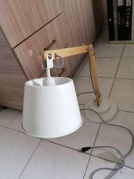 Vendo lámpara de mesa rovigo