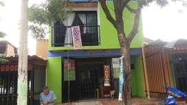 Se vende casa de dos plantas en San Miguel Arcangel(Negociable)