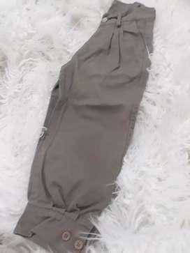 Pantalon nuevo talle 4