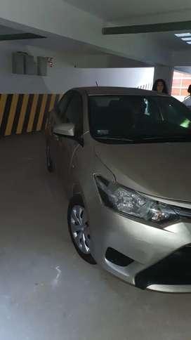 Toyota Yaris 2014 Dorado Mecánico