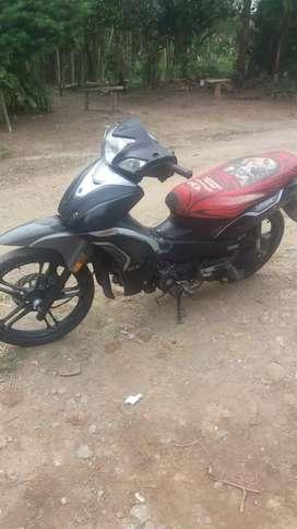 Se vende moto henguar deamotivo viaje