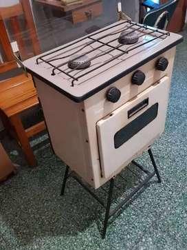 Cocina pequeña con horno.