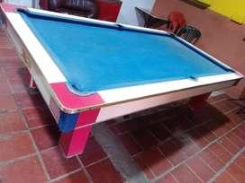 Se vende mesa de pool completa