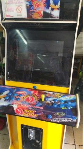 Vendo máquina recreativa de videojuegos