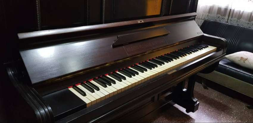 VENDO HERMOSO PIANO ALEMAN, 1 USO 0