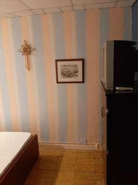 Rento habitación central amueblada