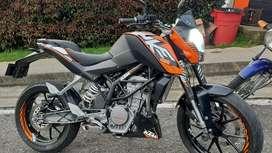 SE VENDE KTM DUKE 200 MOD. 2013