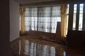 Se arrienda amplio apartamento en barrio Tejar