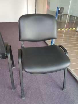 Sillas tipo sala de espera u oficina , excelente estado