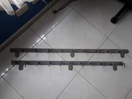 vendo barras con ganchos  en hierro forjado