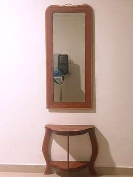 Vendo espejo con su mesita