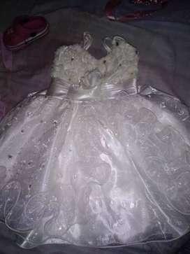 Vendo vestido de nena nuevos un solo uno