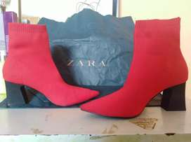Botines marca Zara