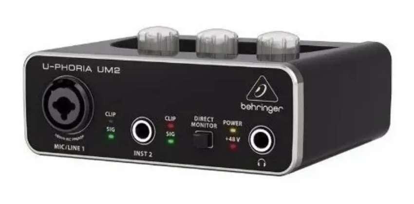 Behringer U-phoria Um2 Pre-amp Xenyx 0