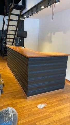 Mostrador de madera comercial