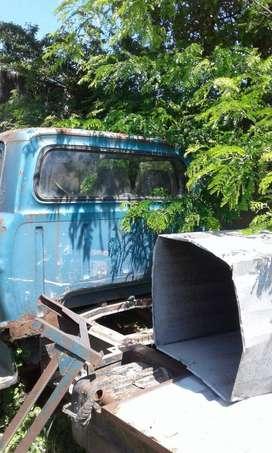 oportunidad!!! vendo camión ford  600 sin motor y sin mecanica