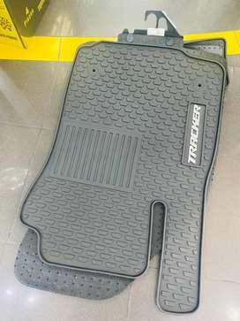 Chevrolet Tracker, moqueta corte original, 3 piezas, caucho