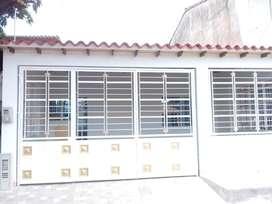 Se vende casa remodelada en motilones