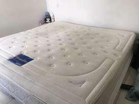 Se VENDE colchon 2x2 con base cama