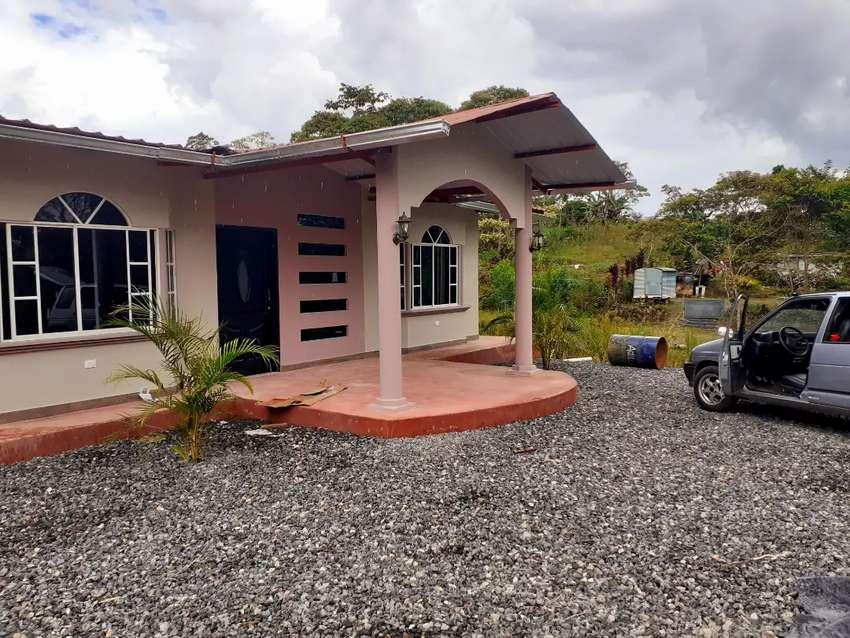Vendo casa nueva en la tarqui