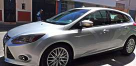 Ford focus modelo hatchaback importado de EEUU pantalla,acceaorios