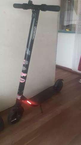 Vendo o cambio por play 4 patineta eléctrica