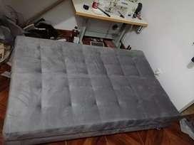 Sofá cama desde 500 en adelante.